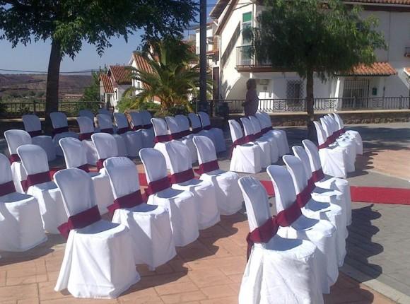 Sillas vestidas para boda en Alquife